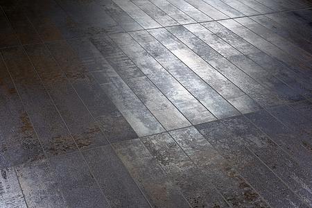 Piastrelle in gres porcellanato ruggine di 14 ora italiana. tile