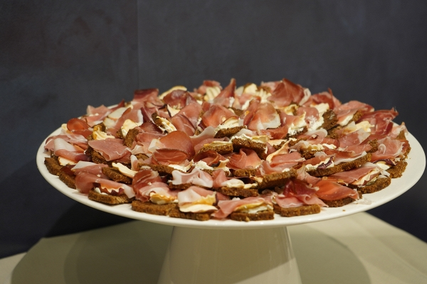 IMG#2 Caesar by zXz A Glance at Appetizers at Cersaie Stands ;)