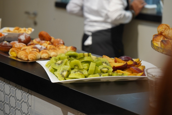 IMG#1 EdimaxAstor by zXz A Glance at Appetizers at Cersaie Stands ;)