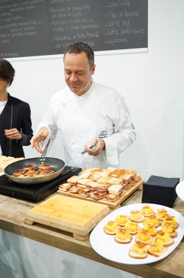 IMG#3 Mo.Da by zXz A Glance at Appetizers at Cersaie Stands ;)