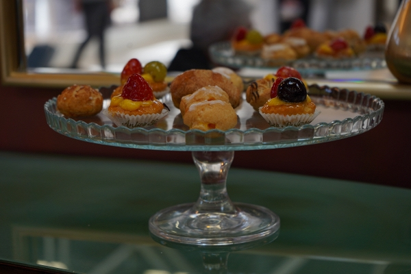 Petracer's by zXz A Glance at Appetizers at Cersaie Stands ;)