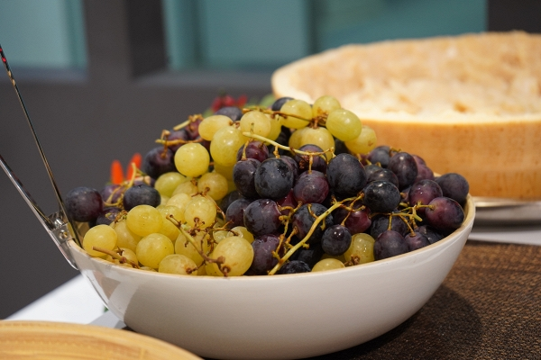 IMG#2 Rondine by zXz A Glance at Appetizers at Cersaie Stands ;)