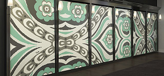 Mosaik Bisazza in schicken Kleidungen von Emilio Pucci