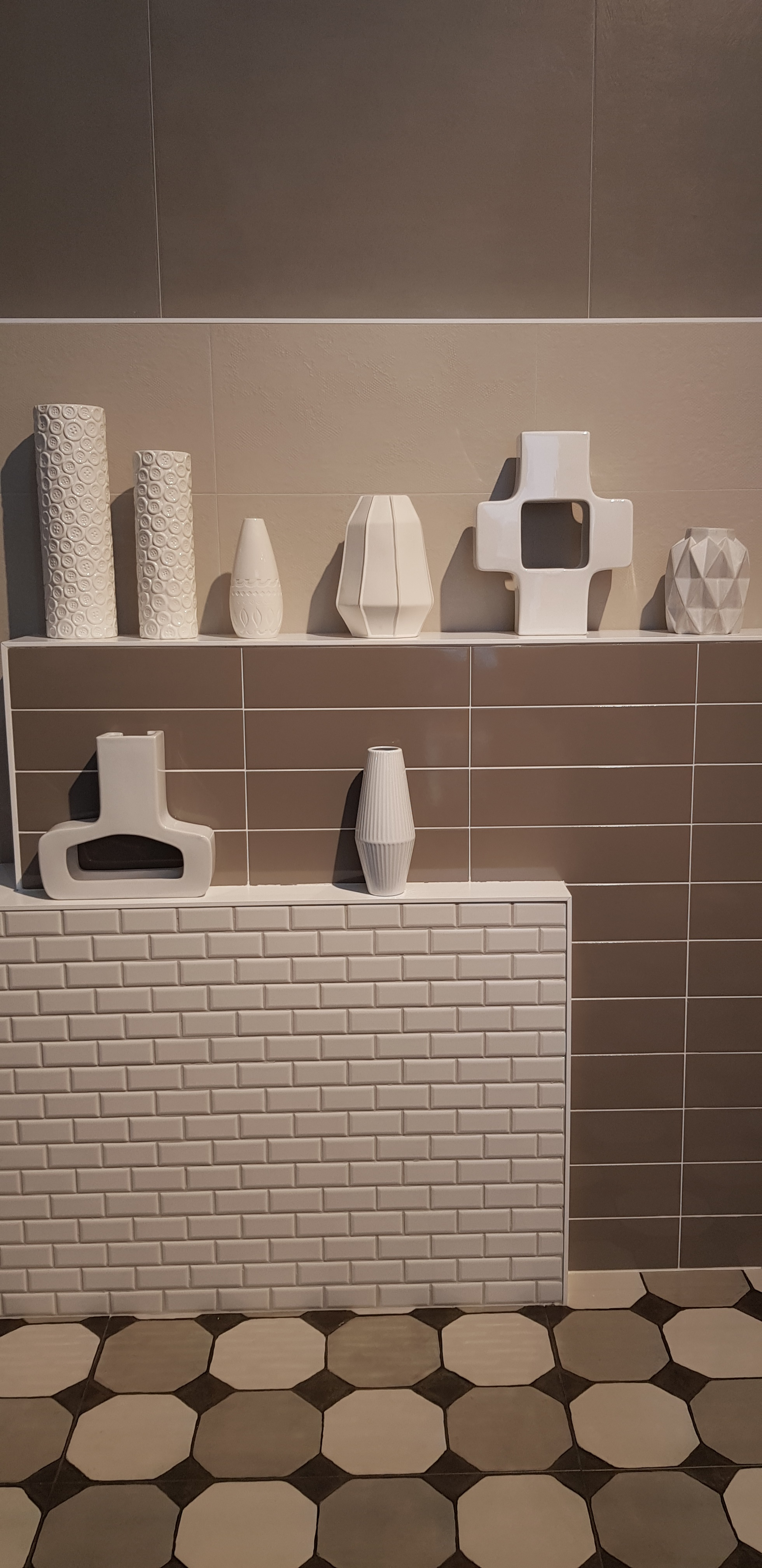 Plaster by Roca Sanitario