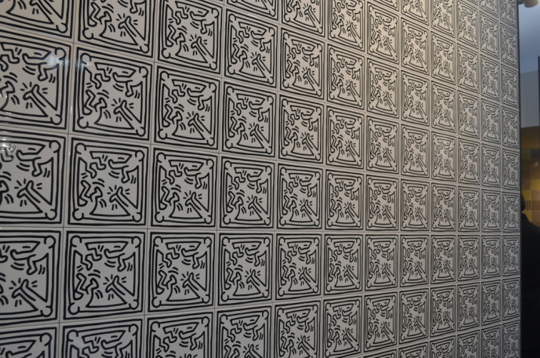Preview and live report from cersaie international Carrelage keith haring