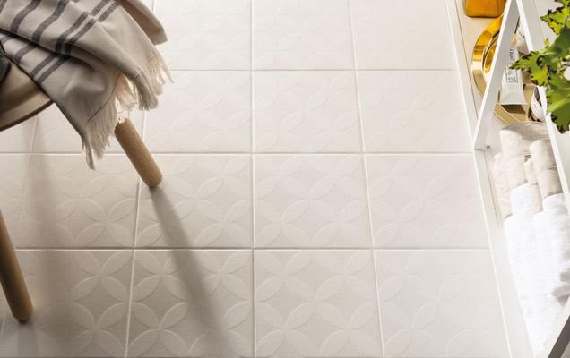 Piastrelle in gres porcellanato maiolica di marca corona tile