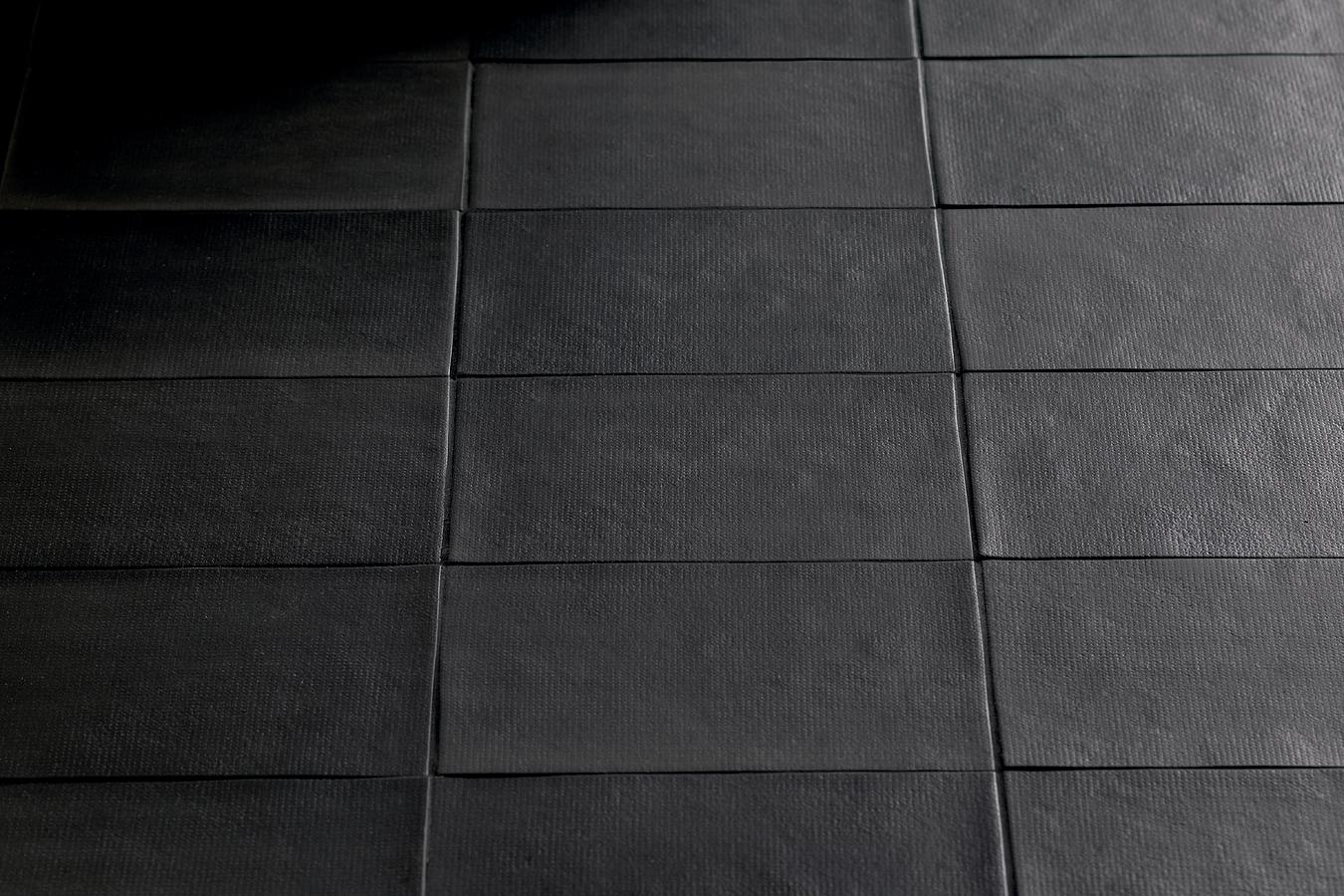 Gr s c rame bas relief de mutina tile expert fournisseur de carrelage italien - Carrelage italien gres cerame ...