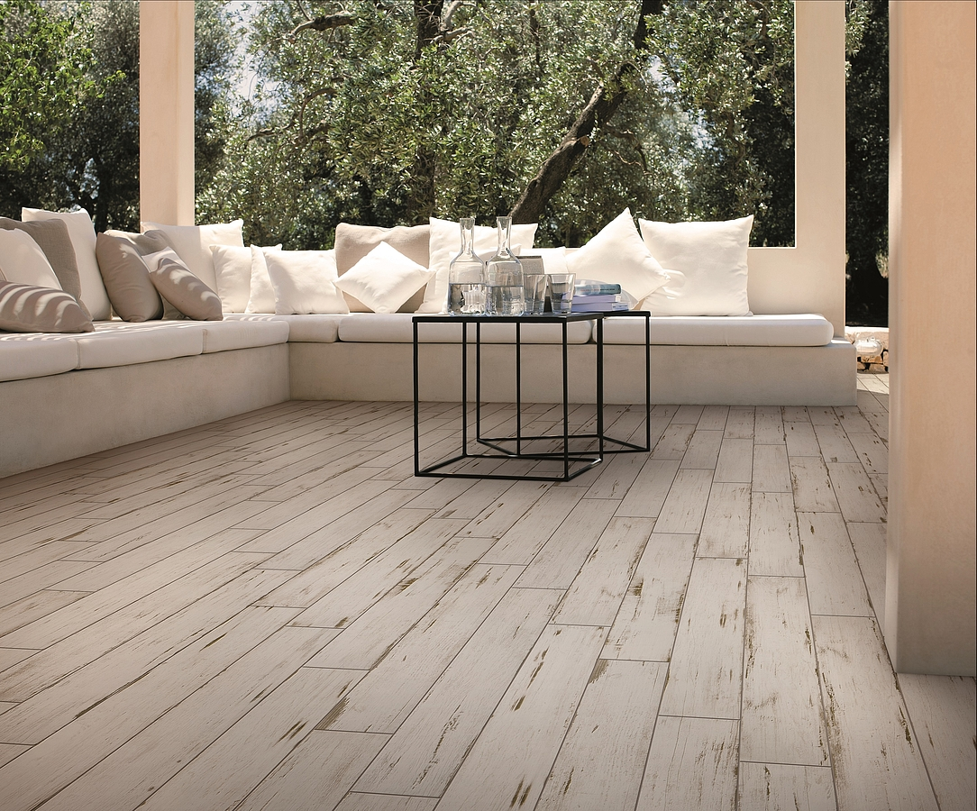 Painted by saime tile expert distributor of italian tiles for Carrelage terrasse imitation parquet